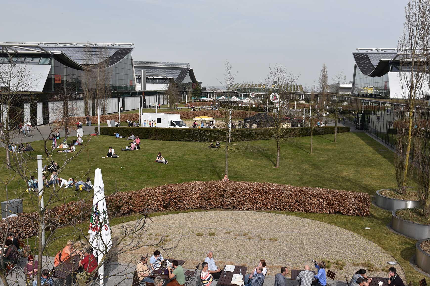 LANDESMESSE STUTTGART Auf der Grundlage unseres Raum- und Funktionsprogrammes wurde die neue Landesmesse zu einem der erfolgreichsten Messeplätze und ist bereits nach unserem Konzept erweitert worden<br /><br /><a href='https://www.mader-architekten.de/projekte/6/oeffentliche-bauten/neue-landesmesse/'>Programming Messe Stuttgart</a>