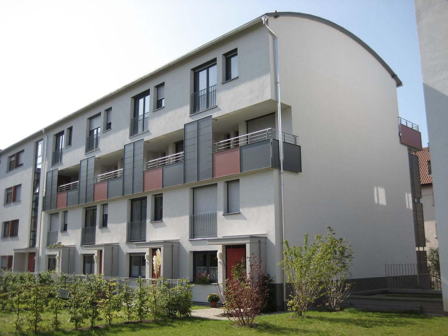 Mehrfamilienhaus mit gemischten Wohntypen