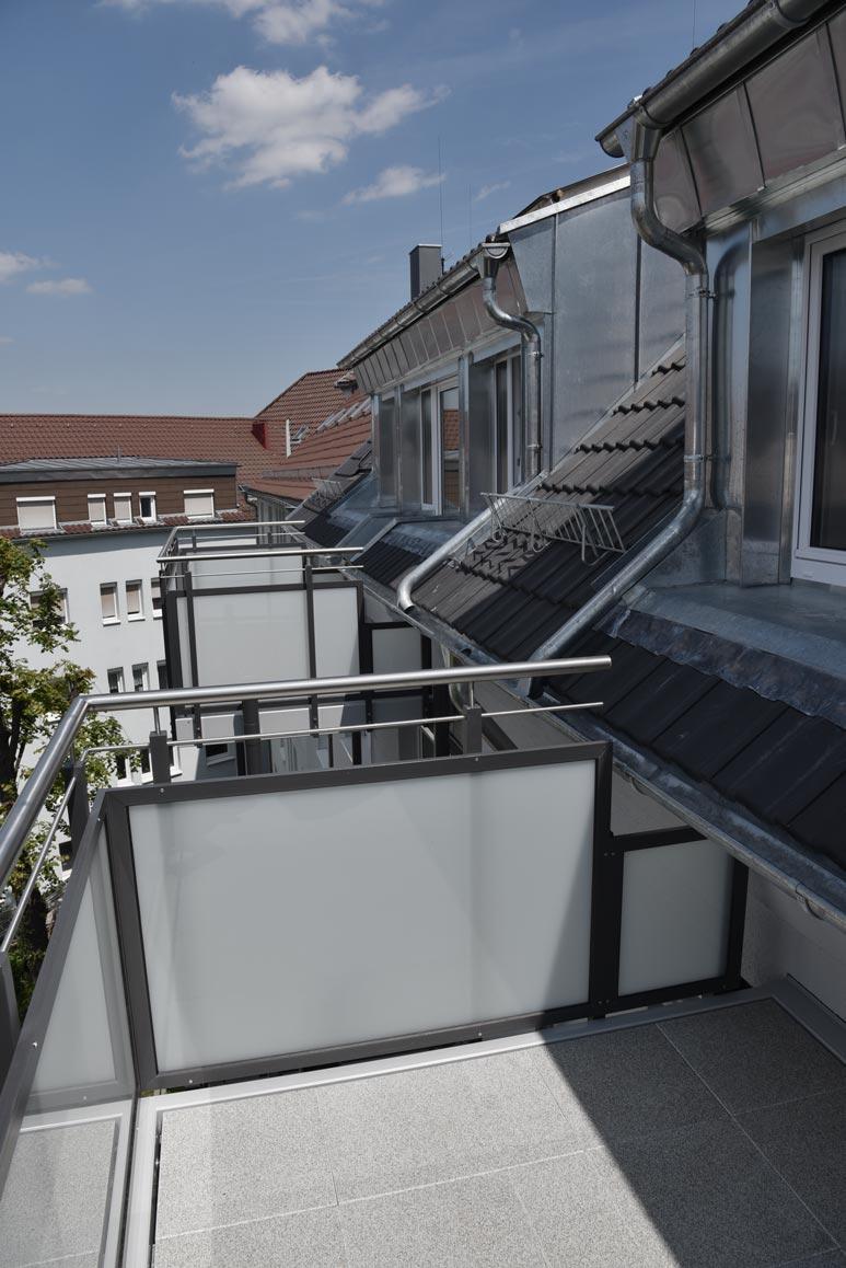 Balkone vor Maisonettewohnung