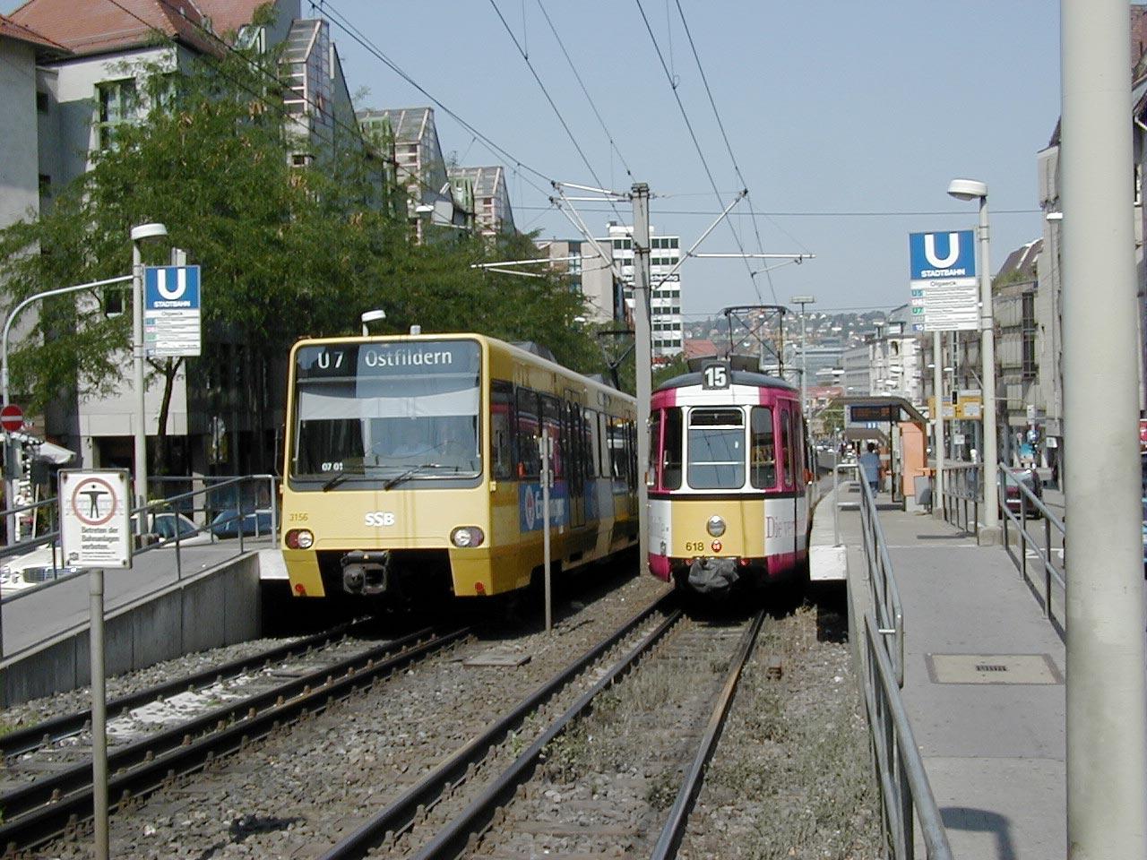 Strassenbahn und Stadtbahn an der Haltestelle Olgaeck